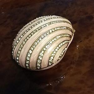 Pinky Shell Hinged Rhinestone Box